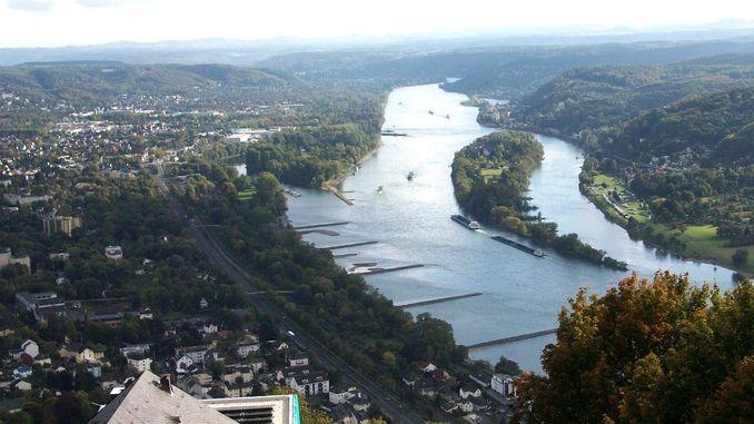 View from Drachenfels over the Rhine and Nonnenwerth island, Siebengebirge, Königswinter, Bad Honnef